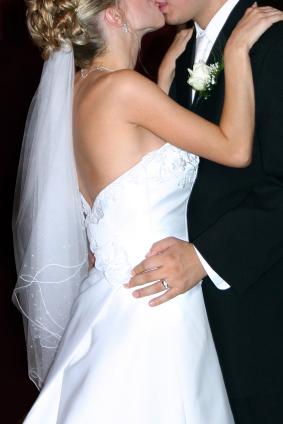 Vit brudklänning